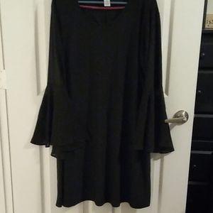 Beautiful dress by Carmen 2x true size